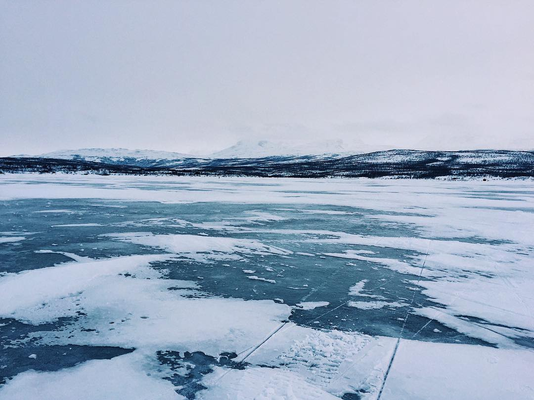 ___Frozen_lake_walks_._._._.__abisko__sweden__view__travel__travels__traveling__digitalnomad__travelgirl__travelalone___instaview__instaplace__instatravel__vscocam__WorldTravelIG__europe